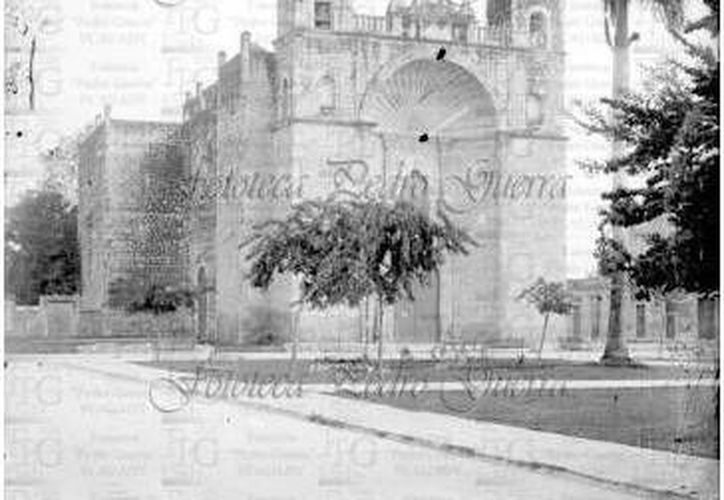 El parque de San Cristóbal, que en realidad se denomina oficialmente como 'La Reforma', fue inaugurado en 1910, pero la iglesia fue puesta en funcionamiento desde 1797. (Sergio Grosjean/Milenio Novedades)