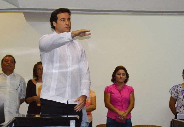 José Enrique Goff Ailloud rinde protesta como presidente de la Codhey. (Cortesía)