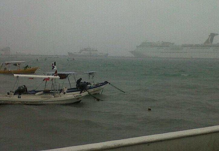 Las condiciones climáticas impiden la navegación a embarcaciones menores. (Gustavo Villegas/SIPSE)