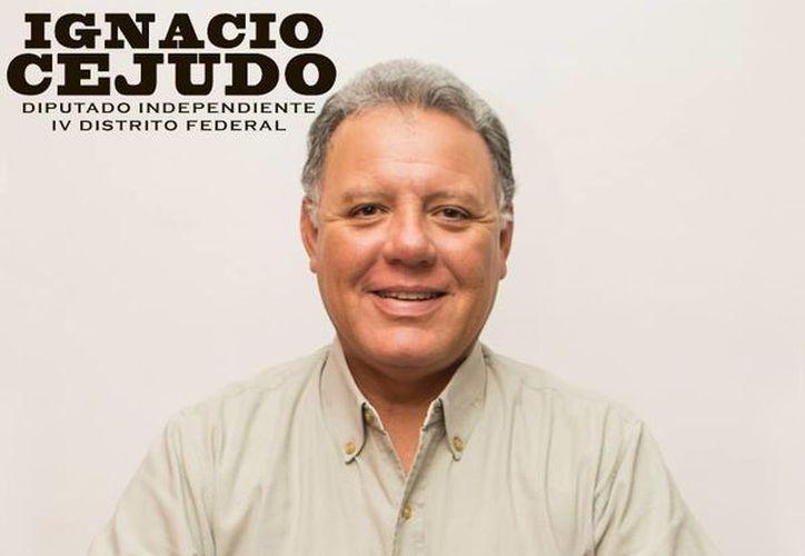 Ignacio Cejudo lleva 3 mil 600 firmas de apoyo ciudadano de un total de 6 mil 595 que debe recolectar. (Cortesía)