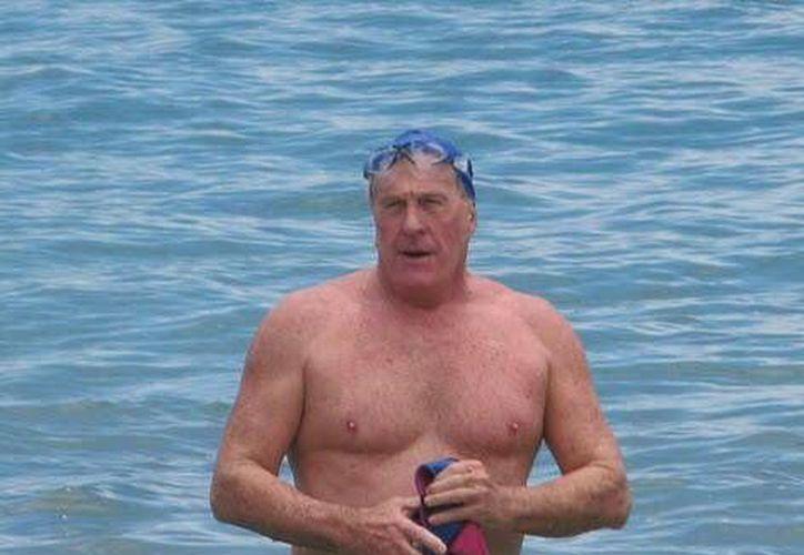 Otto Thaning cruzó el canal de La Mancha para demostrar la capacidad de los adultos mayores. (openwaterswimming.com)