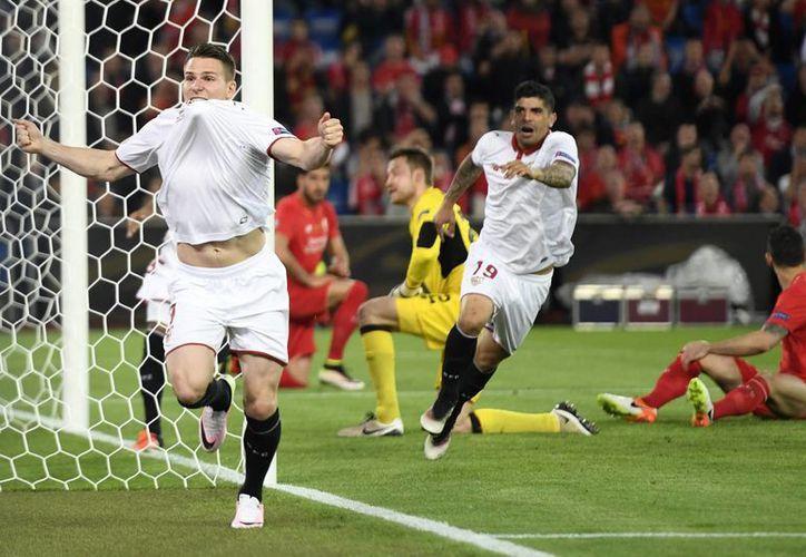 El Sevilla dio una espectacular segunda parte para proclamarse pentacampeón de la Europa League. (AP)