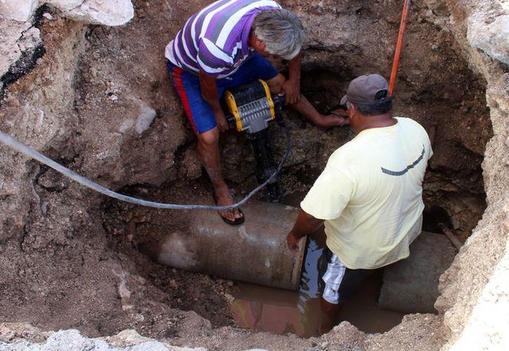 Autoridades municipales realizarán trabajos para mejorar la red de agua potable. (Gerardo Keb/Milenio Novedades)