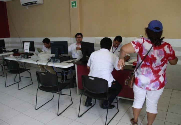 Inició trámites en el Instituto Nacional Electoral. (Tomás Álvarez/SIPSE)