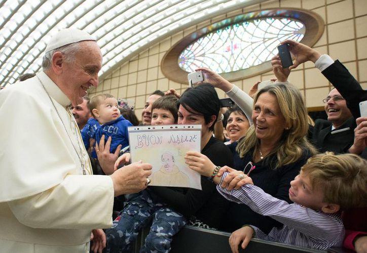 El Papa Francisco presidirá la tradicional Misa de Gallo a partir de las 21:30 horas del tiempo de Italia. (AP)