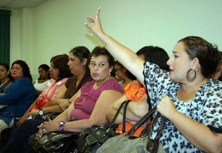 Los maestros esperan la convocatoria para cambios geográficos. (Milenio Novedades)