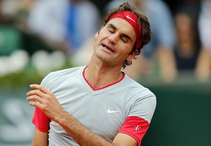 Roger Federer quedó eliminado ante el tenista de 19 años que se ubica en la posición 24 del ranking mundial.(Archivo/AP)