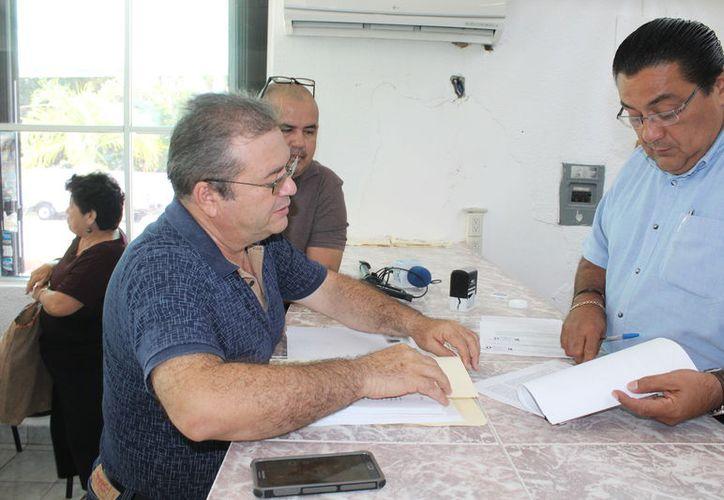 El aspirante presentó ante la Oficialía de Partes del Ieqroo el recurso, que el organismo deberá turnar al Tribunal Electoral de Quintana Roo. (Joel Zamora/SIPSE)