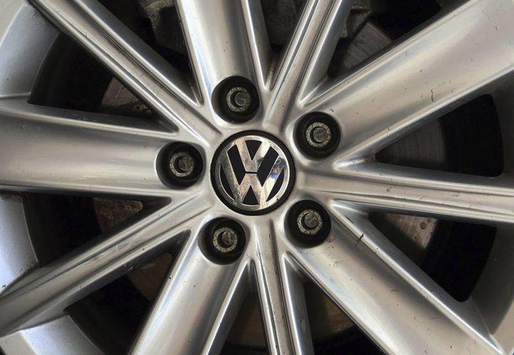 El presidente del Grupo Volkswagen, Matthias Müller, pidió disculpas a los estadounidenses por el trucaje de los motores diesel, que ha causado impacto negativo en su marca. (EFE/Archivo)
