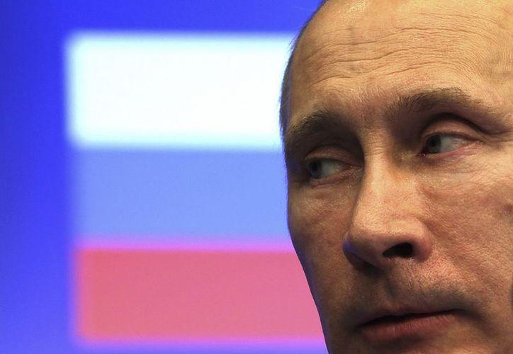 En noviembre pasado,  el presidente e Rusia, Vladímir Putin, destituyó a Anatoli Serdiukov como titular de Defensa. (EFE)