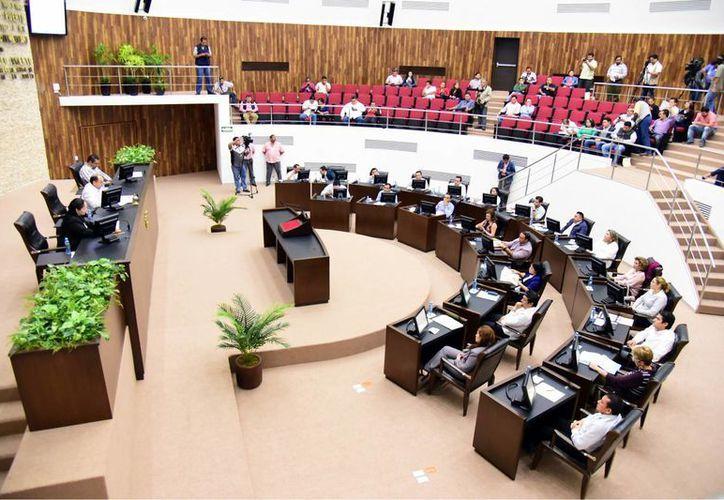 El Congreso analizará las cuentas de los ayuntamientos luego del  análisis de la Glosa del Tercer Informe de Gobierno. (Milenio Novedades)