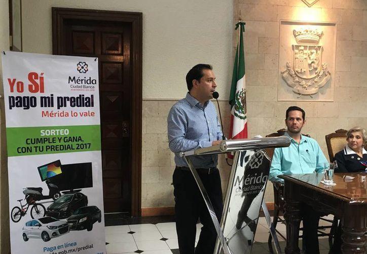 Mauricio Vila dio una conferencia de prensa en los bajos del Ayuntamiento de Mérida, en donde informó cuánto espera recaudar en impuesto predial, en este año. (Milenio Novedades)