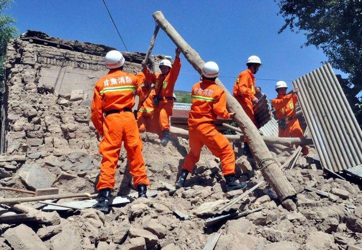 El temblor más fuerte se sintió poco antes de las 08:00 horas. (Agencias)