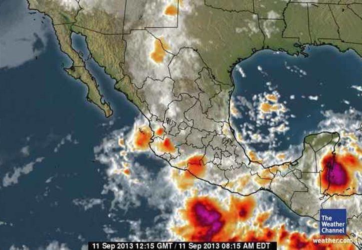 La temperatura esta mañana en Quintana Roo es de 22 grados centígrados, la máxima será de 28 y la probabilidad de precipitación es de 80%. (espanol.weather.com)