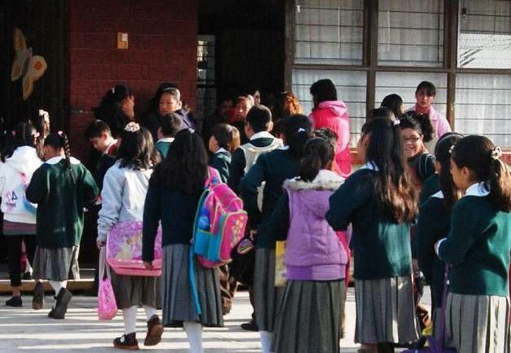 Los alumnos regresarán a las aulas de clases, para concluir el periodo vacacional de invierno, a partir del 7 de enero. (Foto/Internet)