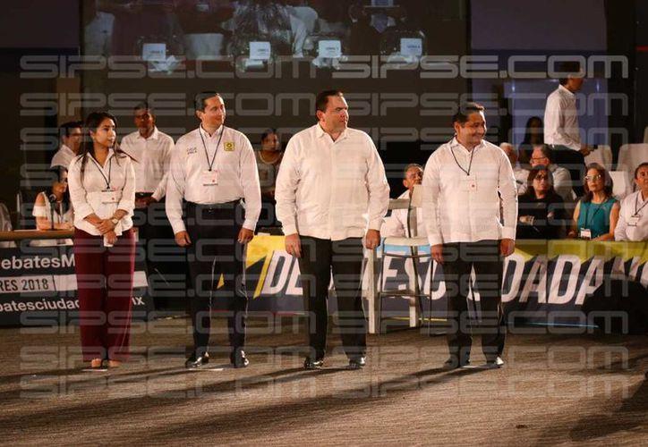 Los candidatos Vila Dosal, Sahuí Rivero, Díaz Mena y Zavala Castro participaron en el evento. (Fotos: Jorge Acosta)