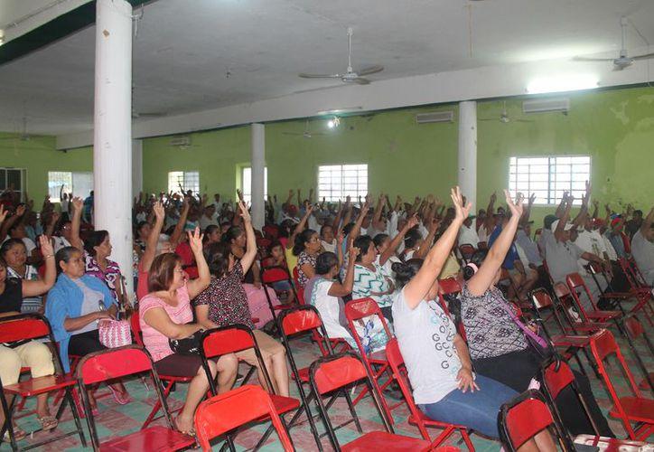 El comisario ejidal convocó una asamblea el pasado domingo. (Gloria Poot/SIPSE)