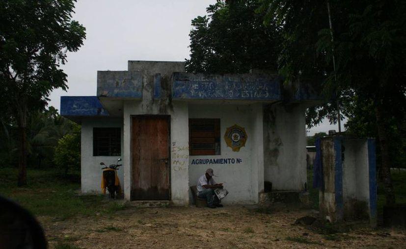 Ciudadanos urgen la atención de seguridad pública y de servicios médicos en el poblado. (Foto:Eddy Bonilla)