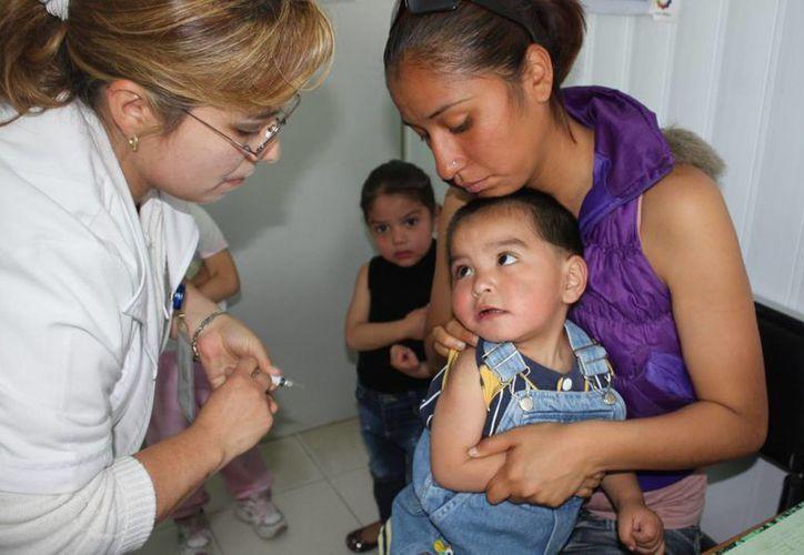 En todo el territorio nacional se instalarán 45 mil puestos de vacunación. (Archivo/Notimex)