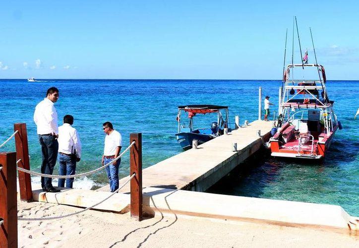 El titular de la APIM se entrevistó con los responsables de muelles concesionados en Cozumel. (Redacción/SIPSE)