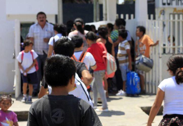Se busca prevenir el acoso de pandillas hacia alumnos para anexarlos a las filas de la delincuencia o vandalismo. (Harold Alcocer/SIPSE)