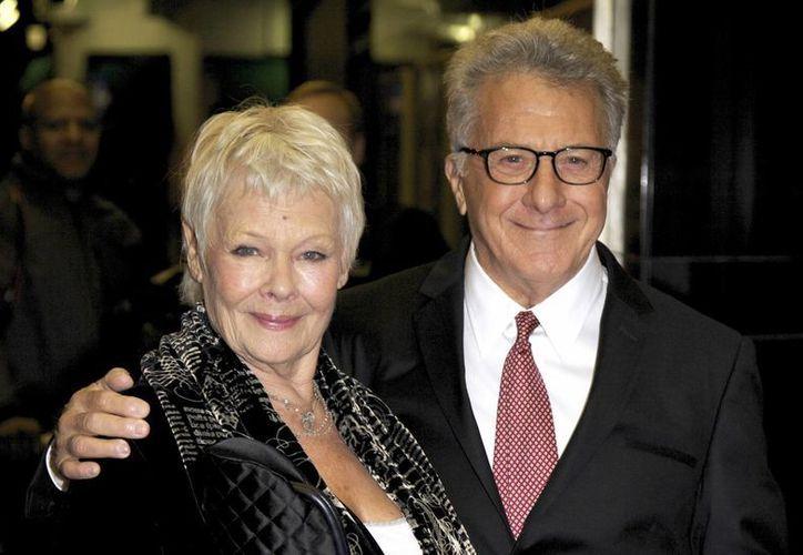 Dustin Hoffman y Judy Dench podrían ganar el Emmy Internacional por sus papeles en una misma película de la BBC. (AP)