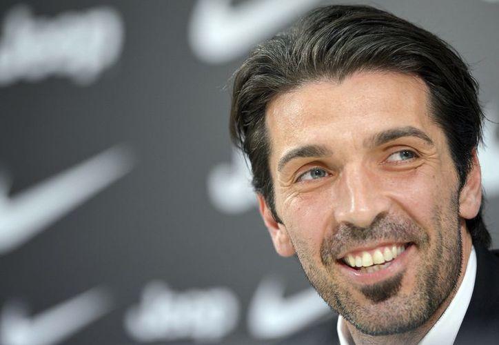 Buffon ha cumplido más de una década defendiendo la portería de la Juventus. (Agencias)