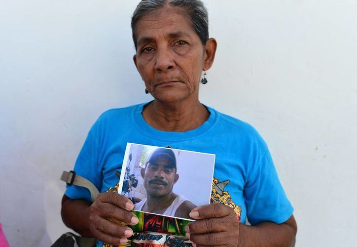 Doña Bertha Herrera Cruz no pierde la esperanza de recuperar con vida a su hijo Gustavo Noé Yepes Herrera, pese a que mañana se suspenderá la búsqueda. (Milenio Novedades)