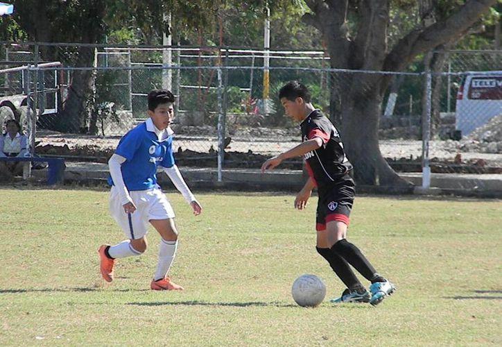 El gol que les dio la victoria, llegó al minutos 33, en un descuido de la defensa vallisoletana. (Ángel Mazariego/SIPSE)
