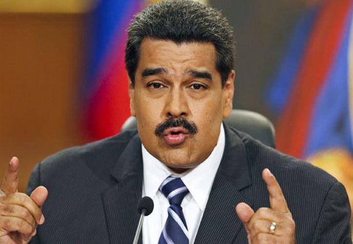 """Maduro señala de """"traidorsillo"""" a representante de OEA (alwasatnews.com)"""