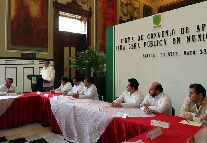 El Gobernador presidió la firma del convenio con 41 municipios. (Milenio Novedades)