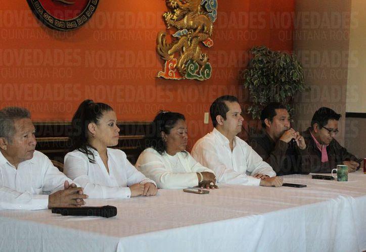 En conferencia de prensa, las principales expresiones políticas dan su total apoyo al diputado. (Ivette Ycos/SIPSE)