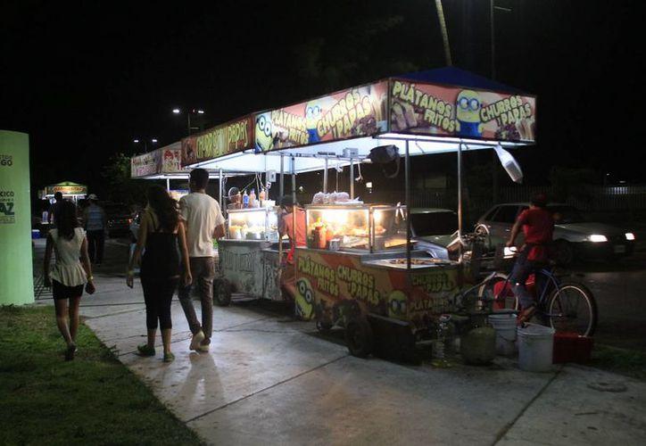 A la fecha no hay denuncias sobre vendedores ambulantes que ofrezcan alimentos insalubres. (Harold Alcocer/SIPSE)