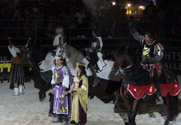 La entrada al show medieval tiene un costo de 15 pesos. (Theani Ruz/ SIPSE)