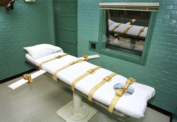 Imagen de la cámara de la muerte donde los presos fallecen por inyección letal, en la Unidad Paredes en Huntsville, Texas. (Archivo/EFE)