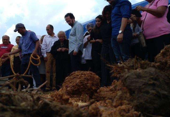 La familia de Huerta le dio el último adiós, junto a sus amigos y comunicadores de Tabasco. (El Financiero)