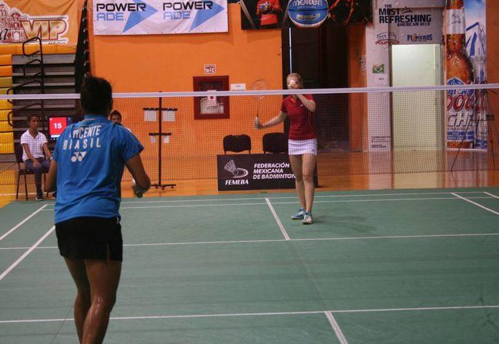 La competencia municipal se realizó en el gimnasio Kuchil Baxal. (Raúl Caballero/SIPSE)