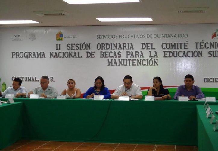 Seis mil 832 estudiantes serán beneficiados con una inversión de 71 millones 682 mil 900 pesos de recursos federales y estatales. (Redacción/SIPSE)