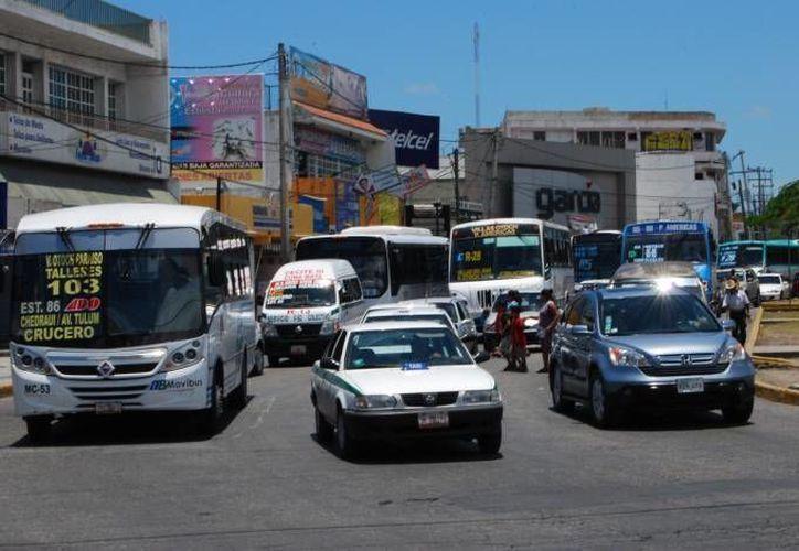 Las rutas de transporte público aumentarán su frecuencia para abastecer el servicio. (Archivo/SIPSE)