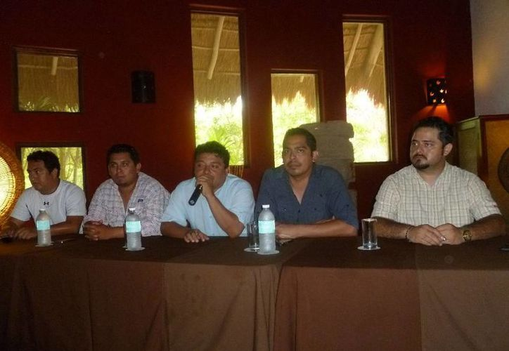 Conferencia de prensa del comité organizador del evento. (Raúl Balam/SIPSE)