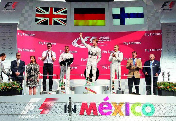 El alemán Nico Rosberg, de la escudería Mercedes, se adjudicó el 1 de noviembre, el  Gran Premio de México. (Redacción/SIPSE)
