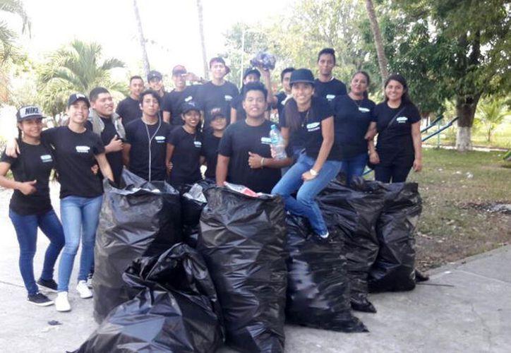 Los jóvenes estudian en el Colegio de Bachilleres de Carlos A. Madrazo. (Carlos Castillo/SIPSE)