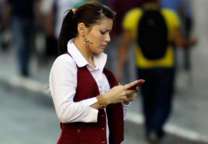 Durante más de 3 horas, los usuarios de Telcel estuvieron incomunicados en los dispositivos móviles y telefónos celulares. Además, la red de internet de Telmex también se cayó. La imagen es de contexto. (Milenio Novedades)