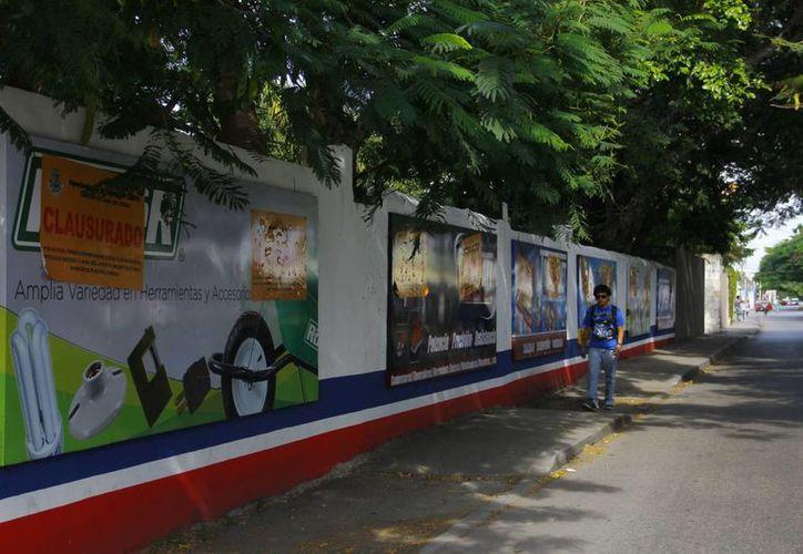 El Ayuntamiento de Mérida está analizando qué vallas y espectaculares se pueden quedar. (Juan Albornoz/SIPSE)