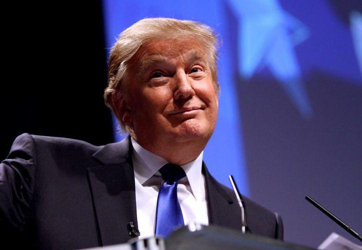 Tras sus comentarios racistas contra latinos, la fortuna de Donald Trump comienza a mermar. (lopezdoriga.com)