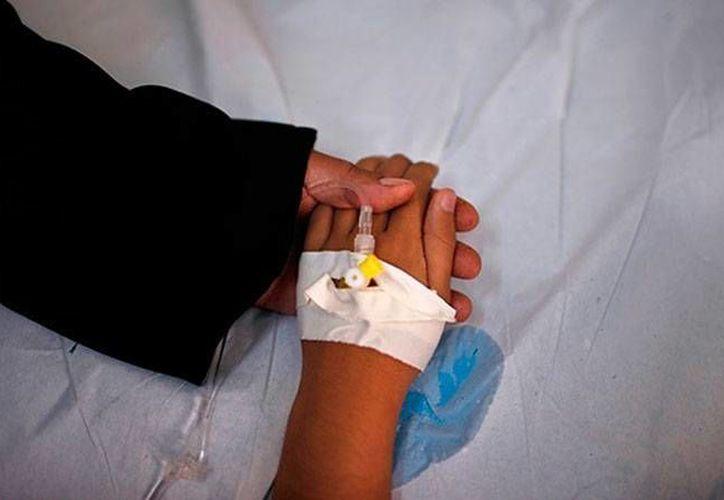 La madre, en peligro de muerte, recibió un riñón de su hijo recién fallecido, y gracias a la donación la mujer puede contar lo que ocurrió. (Foto de contexto/actualidad.rt)