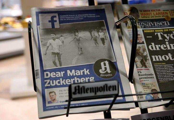 Facebook censuró la imagen de 'La niña del napalm', lo que abrió un debate sobre la libertad de expresión en Noruega. (AP/Cornelius Poppe)