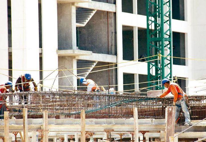 Ramo de la construcción, a la cabeza del top ten de labores peligrosas. (Milenio Novedades)