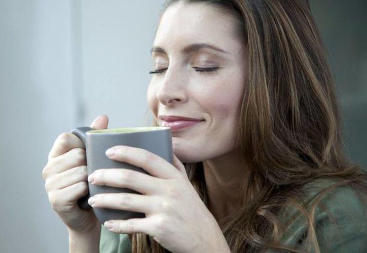 Los pacientes que beben una o dos tazas del café al día tras recuperarse de un ataque cardíaco tienen un 20 por ciento menos de posibilidades de tener una muerte prematura. (bezzia.com)