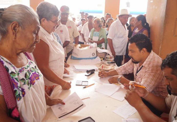 Las mujeres mayas de Yucatán se caracterizan por su participación en la vida comunitaria. (SIPSE)